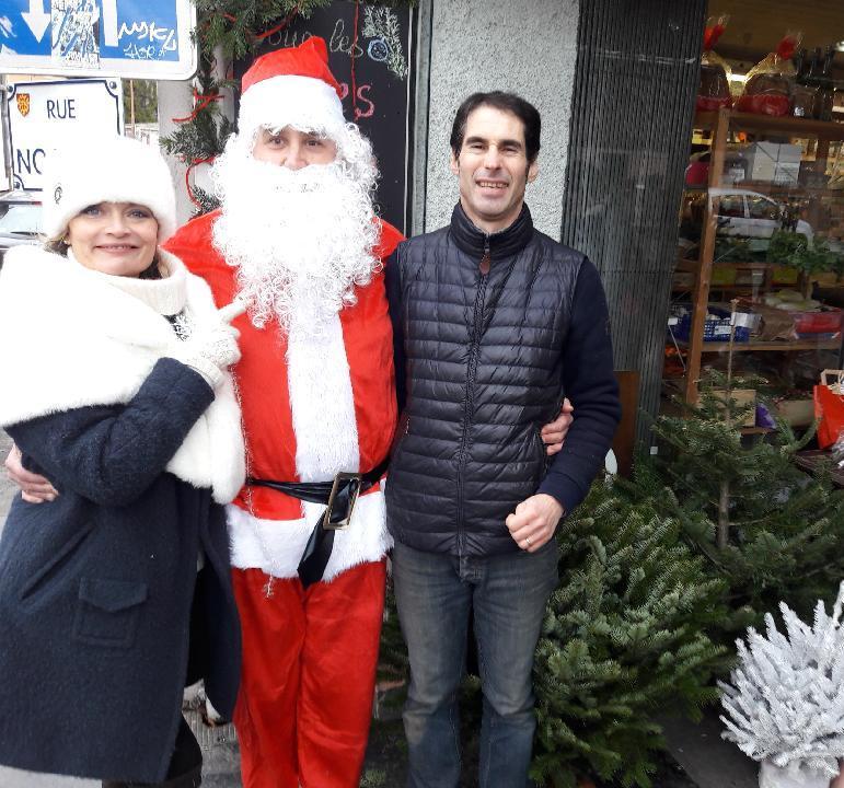 Le trio de choc: Aourika, Roland et le père Noël